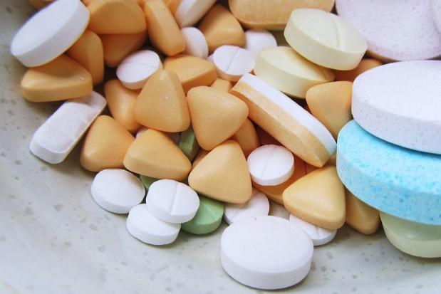 21 leków, które mogą pomóc w leczeniu COVID-19