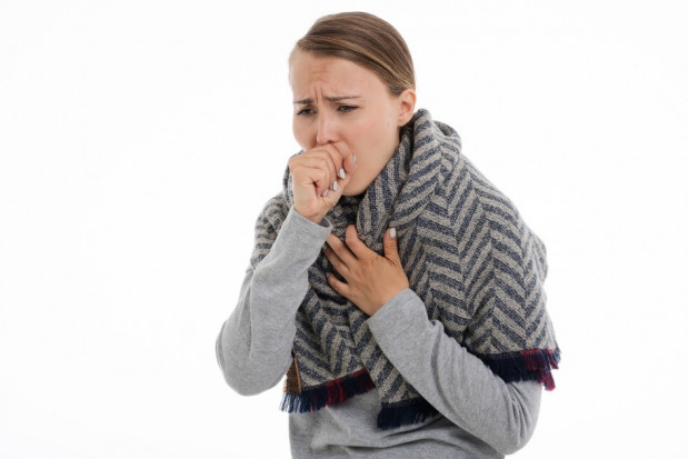 COVID-19: gorączka, kaszel, bóle mięśni - kolejność objawów