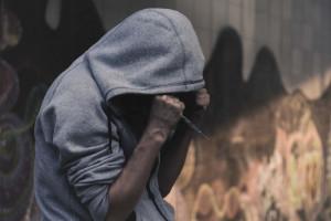 Narkotyki i inne używki zwiększają podatność  na COVID-19