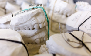 UM w Białystoku: praca w Zakładzie Technik Dentystycznych