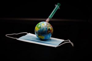 Globalny programu szczepień ma chronić przed SARS-CoV-2