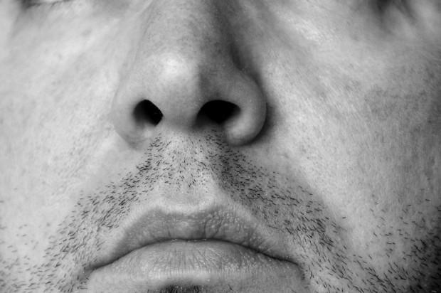Koronawirus: przez nos do mózgu