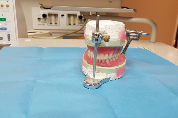 Warszawa: konkurs ofert dla techników stomatologicznych
