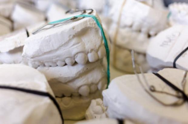 Zamość: konkurs ofert dla stomatologów-protetyków