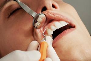 Lekarze i lekarze dentyści: zasady pracy w pandemii nie do przyjęcia
