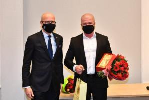 Wrocław: dwaj dentyści nagrodzeni za pracę podczas pandemii