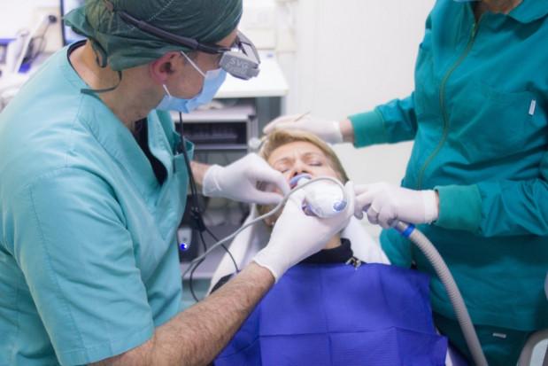 Program badań przesiewowych pacjentów pod kątem zapalenia przyzębia