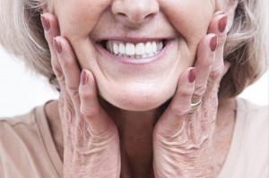 Naukowe zasady czyszczenia protez zębowych