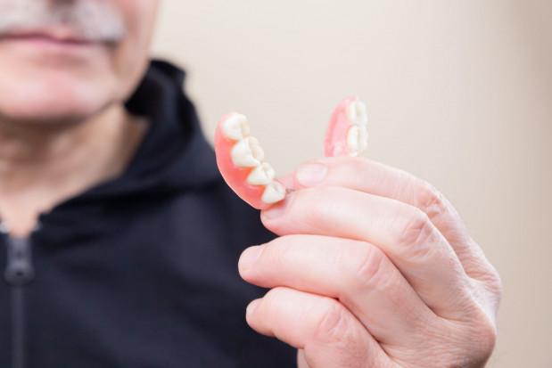 MCS poszukuje dentysty protetyka