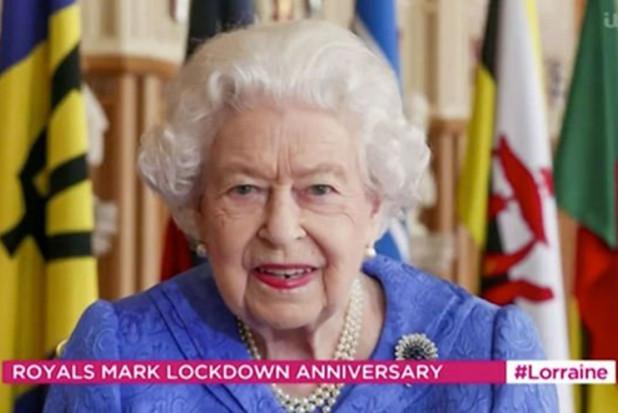 Królowa Elżbieta II powinna iść do dentysty