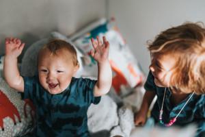 Naukowcy oceniają fluorek srebra diaminy w leczeniu stomatologicznym dzieci