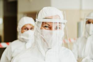 Studenci UM we Wrocławiu zapraszani do pracy przy pacjentach z COVID-19