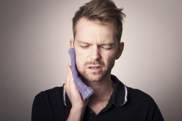 Laser w walce z bólem po ekstrakcji zęba