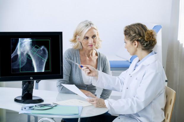 Niska masa kości a choroby przyzębia