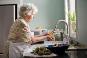 Jak bakterie zwiększają ryzyko choroby Alzheimera