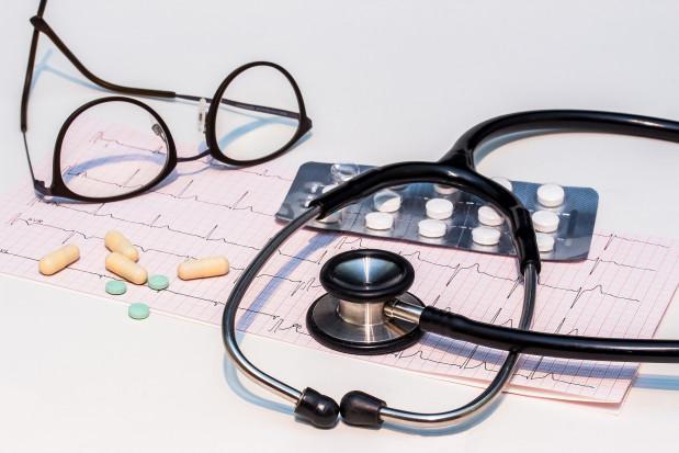 Kardiolodzy: dobra higiena jamy ustnej lepsza niż antybiotyki