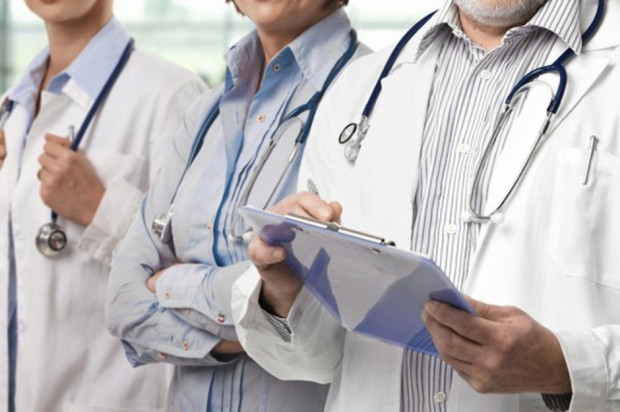 ORL apeluje, aby lekarze stażyści mogli kwalifikować do szczepień poza miejscem odbywania stażu
