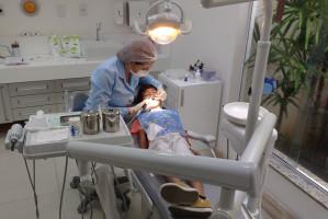 COVID-19: zakażone dzieci nie zarażają dentystów