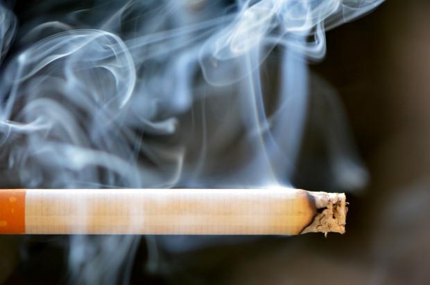 Bierne palenie podnosi ryzyko raka jamy ustnej o 50 proc.