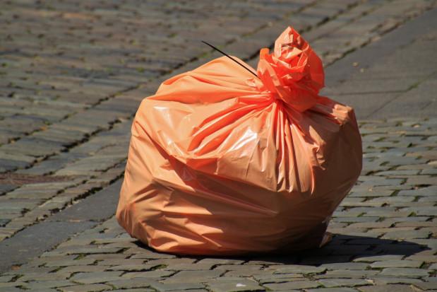Wysokie opłaty za odpady: RPO ujmuje się za gabinetami stomatologicznymi