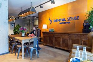 Dentyści zadomowili się w dawnej wytwórni alkoholi