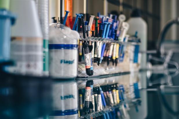 Naukowcy BUM: zaburzenia wydzielania śliny u osób z chorobami krążenia