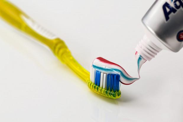 Biodegradowalne tubki na pastę do zębów w masowej produkcji