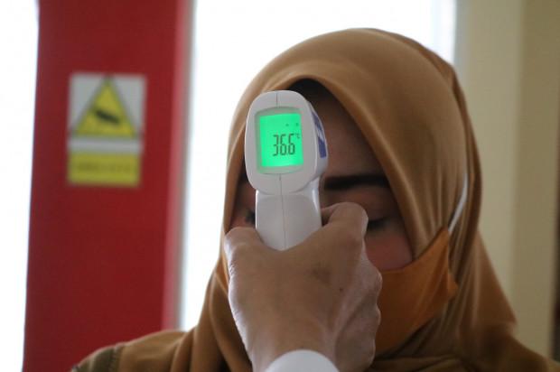 Malezja: właściciel lecznicy stomatologicznej ukarany za brak skanera ciepłoty pacjentów