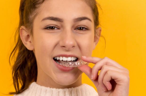 Mity na temat wybielania zębów wiecznie żywe