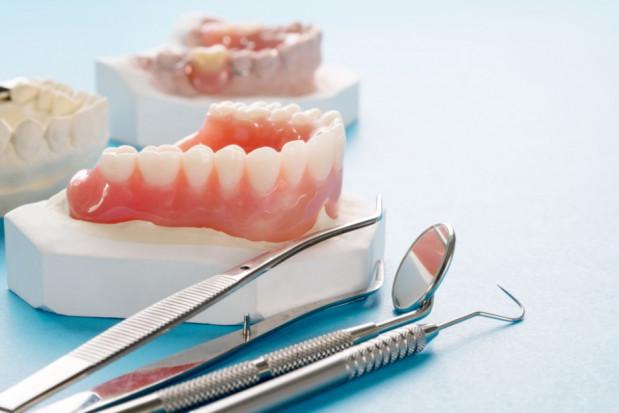Webinar na temat protetyki stomatologicznej