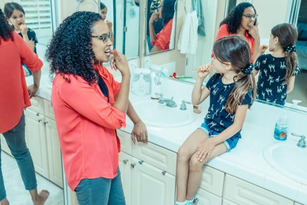 Czy nowoczesne pasty do zębów radzą sobie z próchnicą