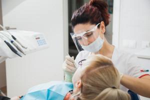 Ile zarabia dentysta