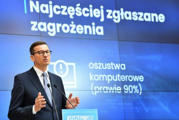 Morawiecki: dyskutowane obowiązkowe szczepienia pracowników ochrony zdrowia