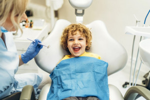 Dzierżoniów: sierpień miesiącem leczenia dzieciom zębów