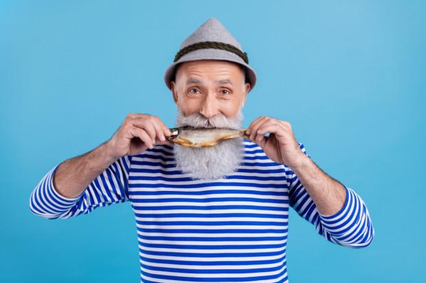 Jedzenie ryb chroni przed parodontozą, ale tylko mężczyzn