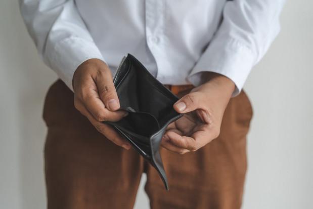 Ile zarabia lekarz dentysta?