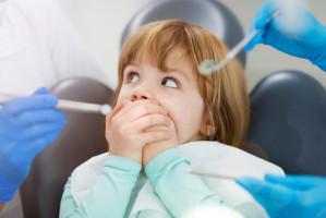 Zdarzenia niepożądane u dentysty podczas leczenia dzieci