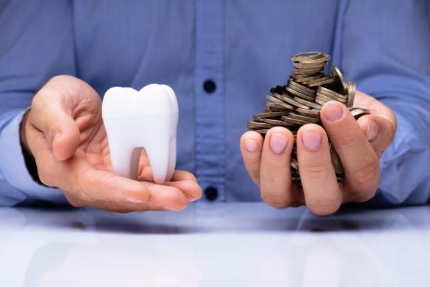 Zaskakujący wzrost zarobków higienistek stomatologicznych