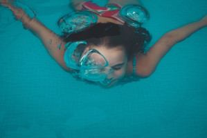 Pływanie zwiększa ryzyko przebarwień szkliwa
