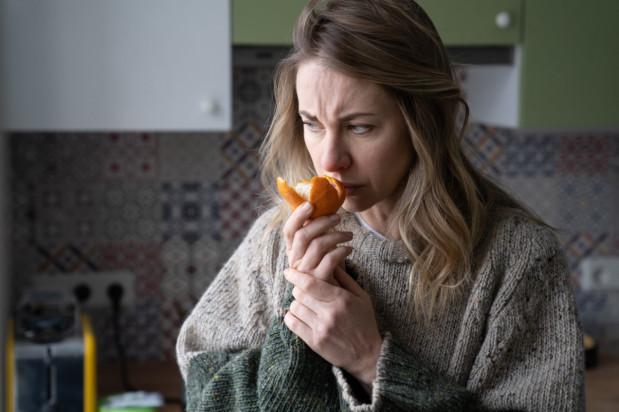 Koronawirus: poczucie smaku powraca znacznie szybciej niż węch