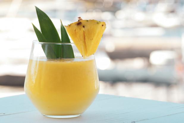 Moda na sok anansowy po ekstrakcji ósemek