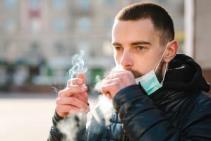 Kto z dentystów proponuje pacjentom rzucenie palenia?