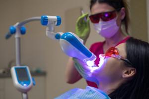 Obalanie mitów na temat laseroterapii w stomatologii