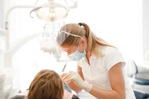 Konkurs na leczenie stomatologiczne 3,6 tys. uczniów