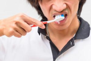 Zły stan jamy ustnej sprzyja Covid-19