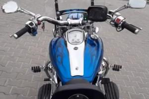 Motocyklistka z uszkodzoną szczęką i wybitymi zębami szuka pomocy