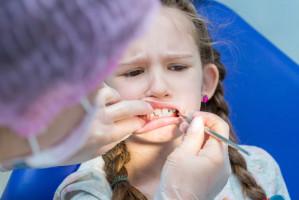 9 miesięcy na ekstrakcję zęba